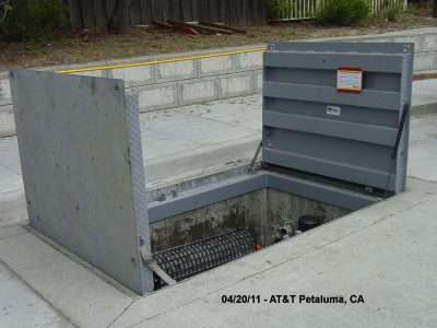 AT&T communication vault accepts buss Starts & Stops all day long in Petaluma calif.